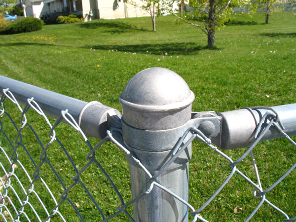 Montaż siatki ogrodzeniowej